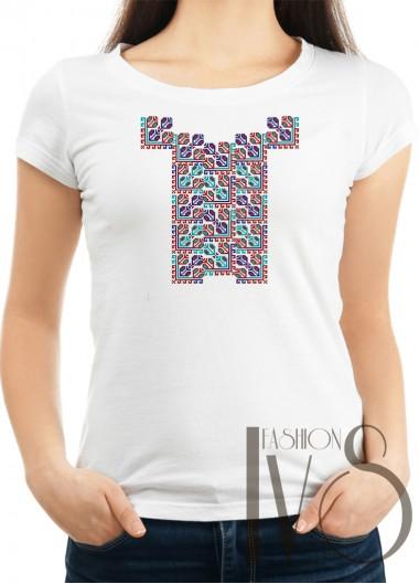 Дамска тениска с фолклорни мотиви Модел 7F шевици