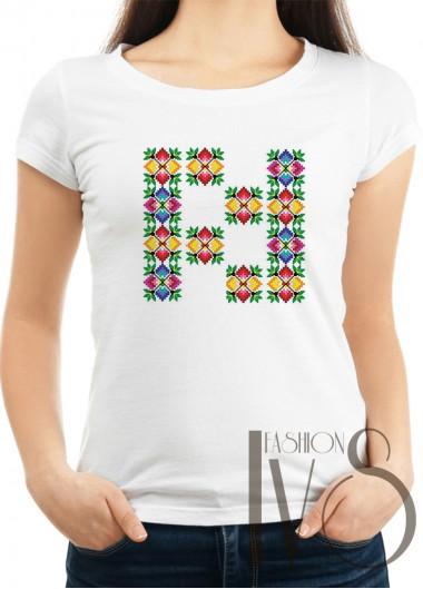 Дамска тениска с фолклорни мотиви Модел 9F шевици