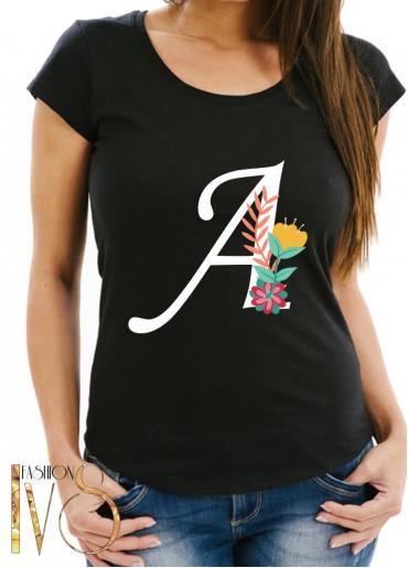 Дамска тениска черна с буква и цвете