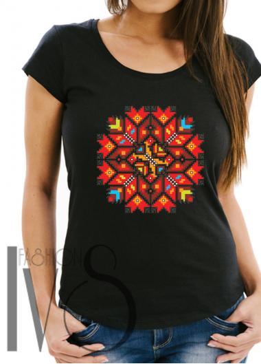 Дамска тениска с фолклорни мотиви Модел 3FB шевици
